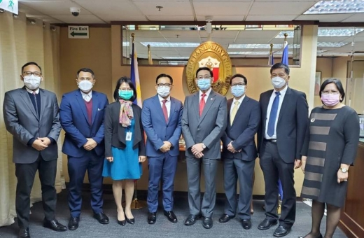 Consuls general of PH, Indonesia meet over FDW boarding house probe
