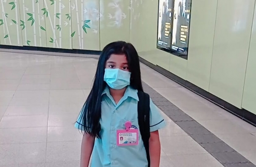 Girl choked while eating a jelly in school, Filipino mother asks for prayers